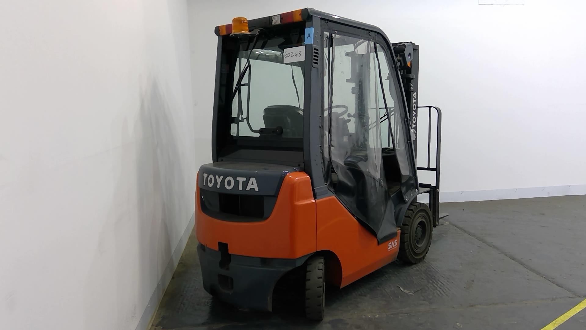 used toyota diesel forklift