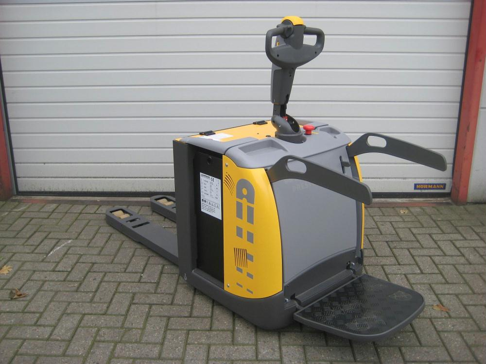 used powered pallet truck
